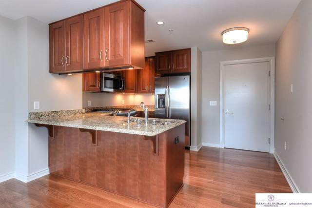 120 S 31st Avenue #5509, Omaha, NE 68131 (MLS #21924330) :: Omaha's Elite Real Estate Group