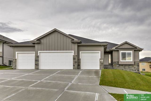 520 Devonshire Drive, Gretna, NE 68028 (MLS #21924482) :: The Briley Team