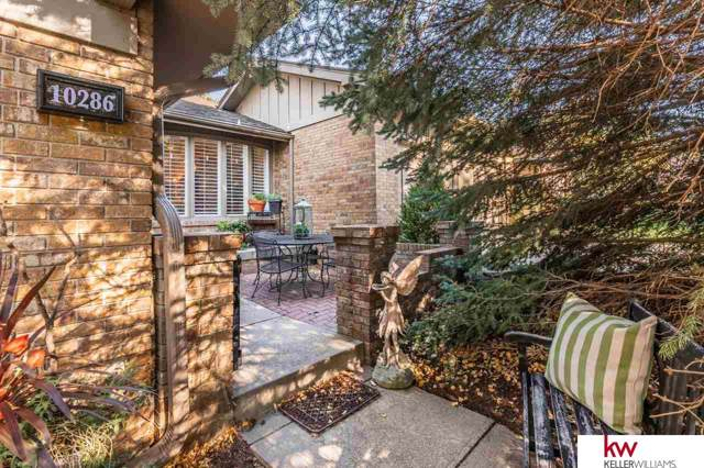10286 Fieldcrest Drive, Omaha, NE 68114 (MLS #21924523) :: Cindy Andrew Group