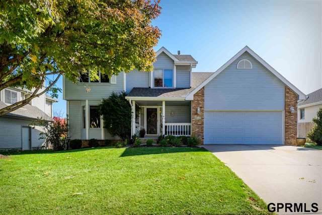 6715 N 106 Street, Omaha, NE 68112 (MLS #21924686) :: Omaha's Elite Real Estate Group