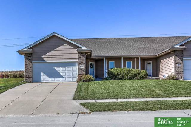 11706 S 203rd Street, Gretna, NE 68028 (MLS #21924692) :: The Briley Team