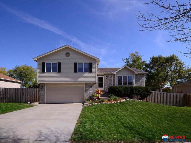 7830 S 34th Street, Lincoln, NE 68516 (MLS #21924870) :: Lincoln Select Real Estate Group