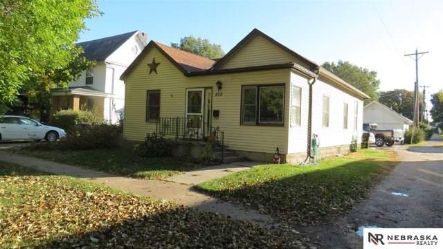 838 N Linden Street, Wahoo, NE 68066 (MLS #21925016) :: The Briley Team