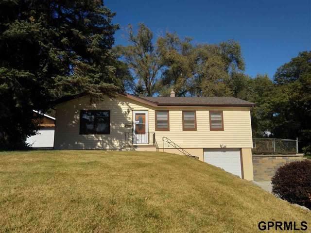 6902 Charles Street, Omaha, NE 68132 (MLS #21925207) :: Omaha Real Estate Group