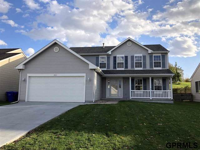 2811 Arrowhead Lane, Bellevue, NE 68123 (MLS #21925252) :: The Briley Team