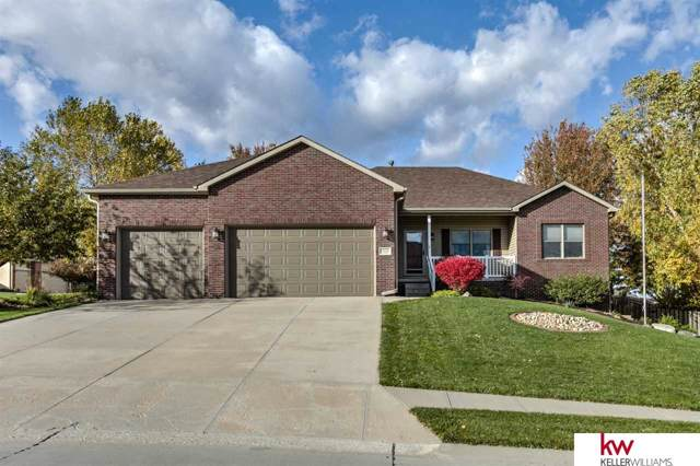 19732 I Street, Omaha, NE 68135 (MLS #21925311) :: Omaha Real Estate Group