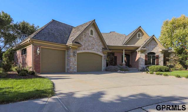300 Fawn Park Circle, Council Bluffs, IA 51503 (MLS #21925333) :: The Briley Team