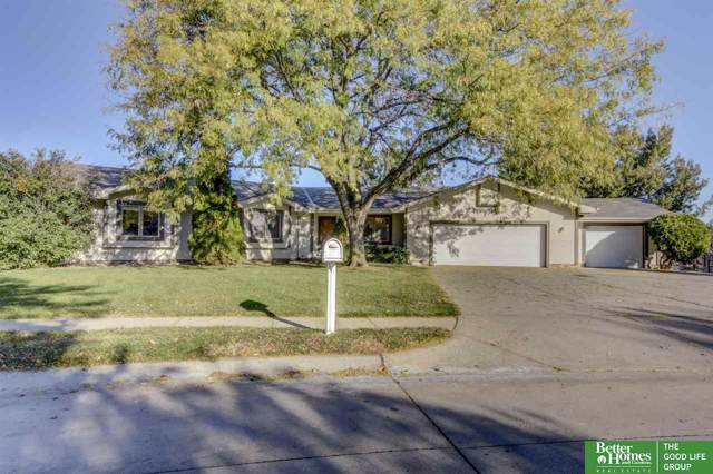 16556 Cedar Circle, Omaha, NE 68130 (MLS #21926047) :: Omaha Real Estate Group