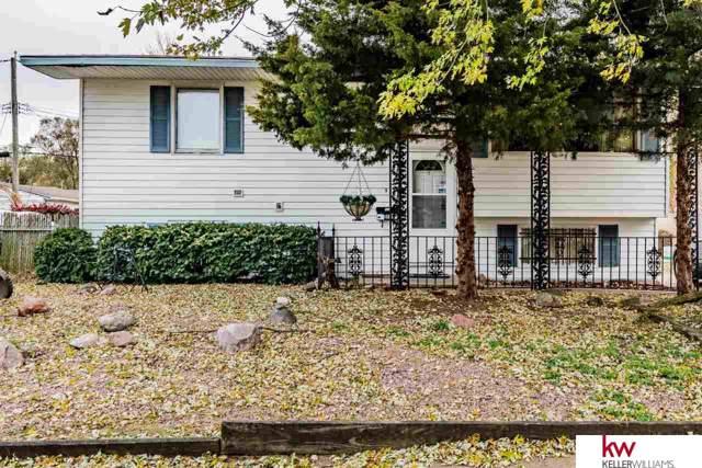 915 Avenue O Street, Carter Lake, IA 51510 (MLS #21926225) :: Omaha's Elite Real Estate Group