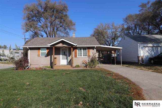 6048 P Street, Omaha, NE 68117 (MLS #21926328) :: Omaha's Elite Real Estate Group