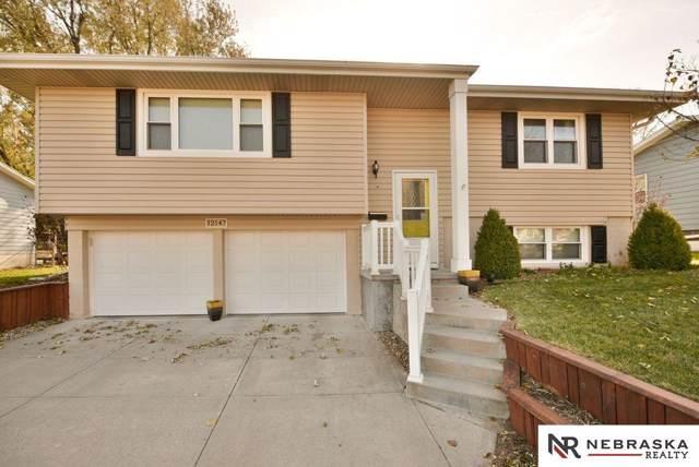 12147 N Street, Omaha, NE 68137 (MLS #21926647) :: One80 Group/Berkshire Hathaway HomeServices Ambassador Real Estate