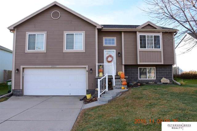 20911 Maple Circle, Gretna, NE 68028 (MLS #21926680) :: One80 Group/Berkshire Hathaway HomeServices Ambassador Real Estate