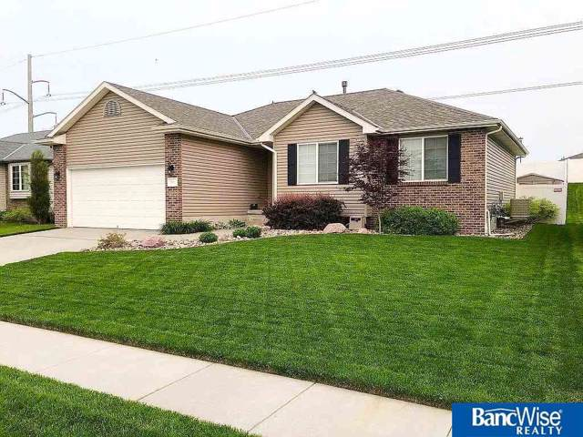 8801 Broken Spoke Drive, Lincoln, NE 68507 (MLS #21926704) :: Omaha's Elite Real Estate Group