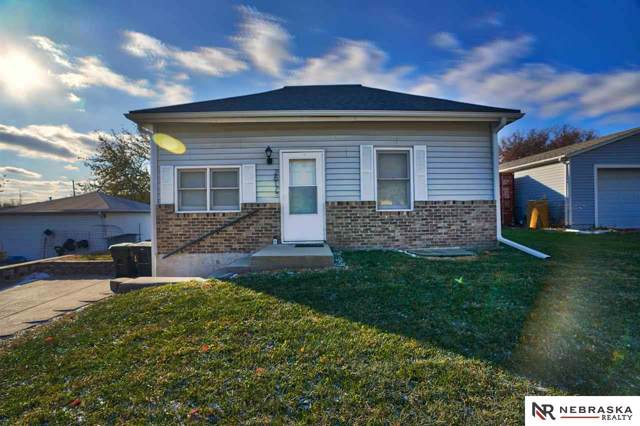 2617 NW 9th Street, Lincoln, NE 68521 (MLS #21926950) :: Capital City Realty Group
