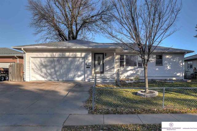 1868 Austin Lane, Fremont, NE 68025 (MLS #21927077) :: Omaha's Elite Real Estate Group