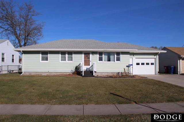 1722 E 19th Street, Fremont, NE 68025 (MLS #21927132) :: Dodge County Realty Group