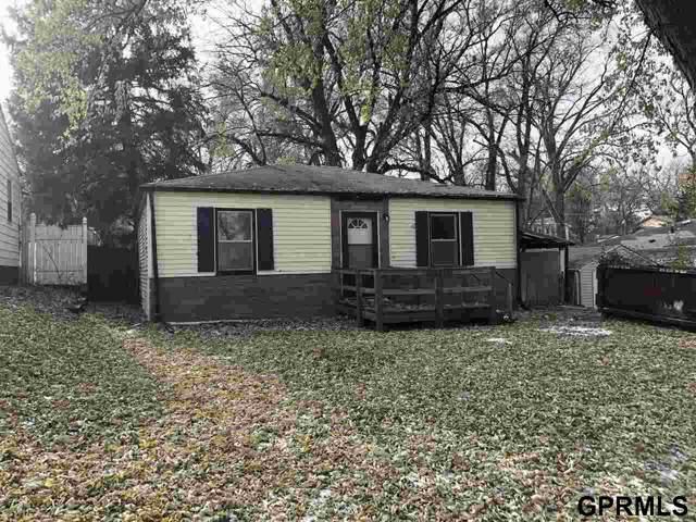 5517 Holmes Street, Omaha, NE 68117 (MLS #21927196) :: Omaha Real Estate Group