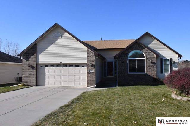 11202 S 213th Circle, Gretna, NE 68028 (MLS #21927272) :: Omaha Real Estate Group
