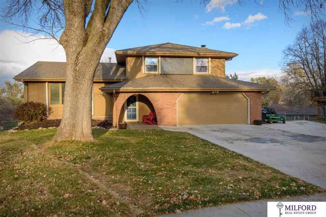 11426 Grand Circle, Omaha, NE 68164 (MLS #21927416) :: The Briley Team