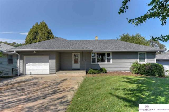 5714 A Street, Omaha, NE 68106 (MLS #21927429) :: The Briley Team