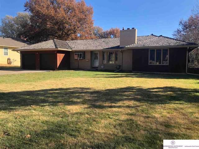 687 Parkwood Lane, Omaha, NE 68132 (MLS #21927485) :: Nebraska Home Sales