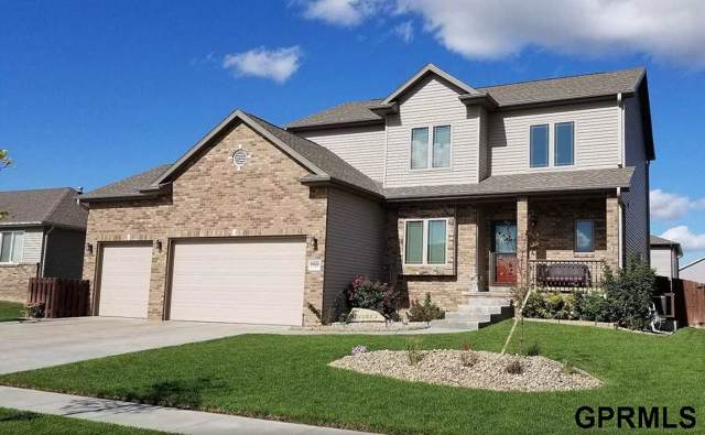 9920 Moonlight Drive, Lincoln, NE 68527 (MLS #21927821) :: Lincoln Select Real Estate Group