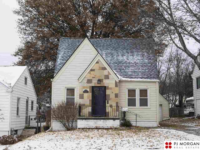 6232 Pierce Street, Omaha, NE 68106 (MLS #21928006) :: Dodge County Realty Group