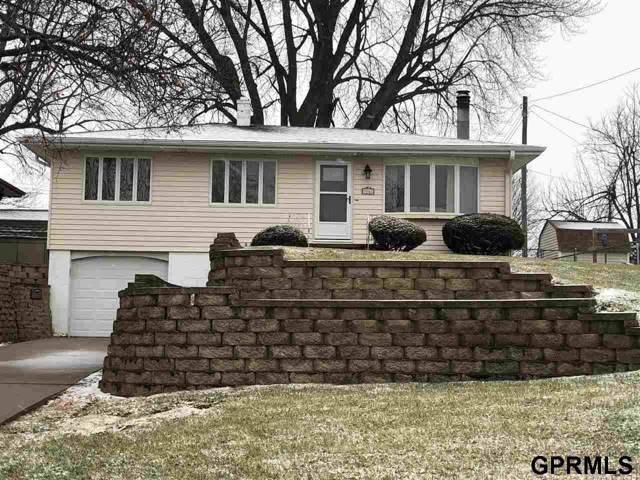 3067 S 44th Street, Omaha, NE 68105 (MLS #21928013) :: Dodge County Realty Group