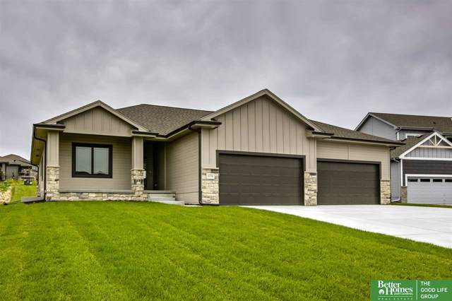 10758 S 183rd Avenue Circle, Omaha, NE 68136 (MLS #21928052) :: Lincoln Select Real Estate Group