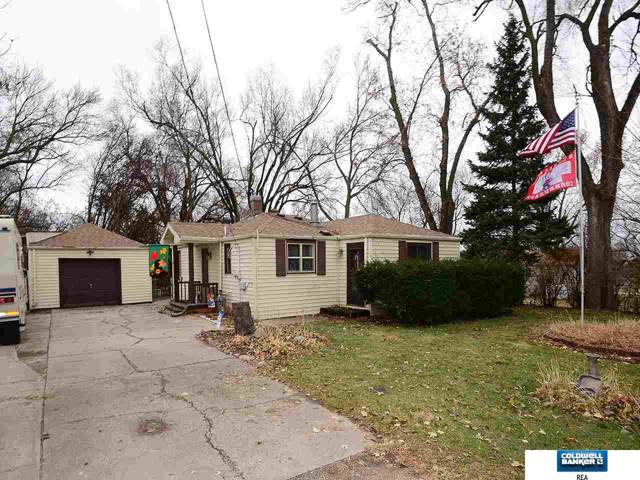 5931 Whitmore Street, Omaha, NE 68152 (MLS #21928074) :: Omaha Real Estate Group
