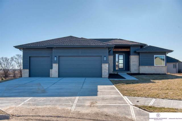 18357 Lake Circle, Elkhorn, NE 68022 (MLS #21928227) :: Dodge County Realty Group