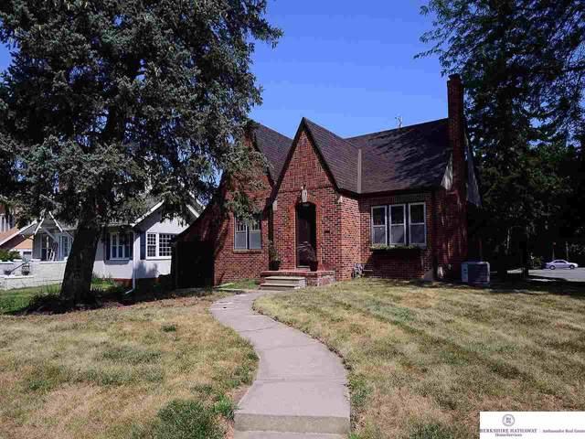 5702 Marcy Street, Omaha, NE 68106 (MLS #21928289) :: Omaha's Elite Real Estate Group