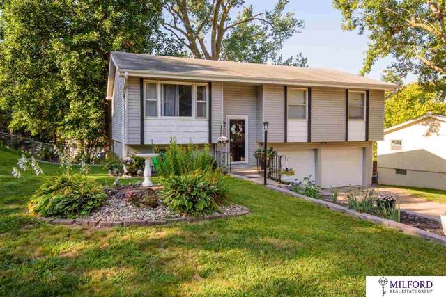 2817 Janan Drive, Bellevue, NE 68005 (MLS #21928443) :: Lincoln Select Real Estate Group