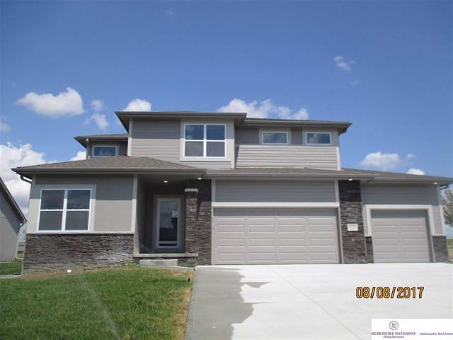 10706 Laramie Street, Papillion, NE 68046 (MLS #21928488) :: The Briley Team