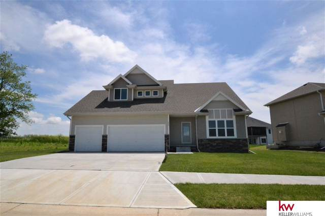655 N 10 Avenue, Springfield, NE 68059 (MLS #21928610) :: Lincoln Select Real Estate Group