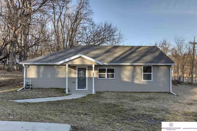 406 S 14th Street, Fort Calhoun, NE 68023 (MLS #21928639) :: Dodge County Realty Group