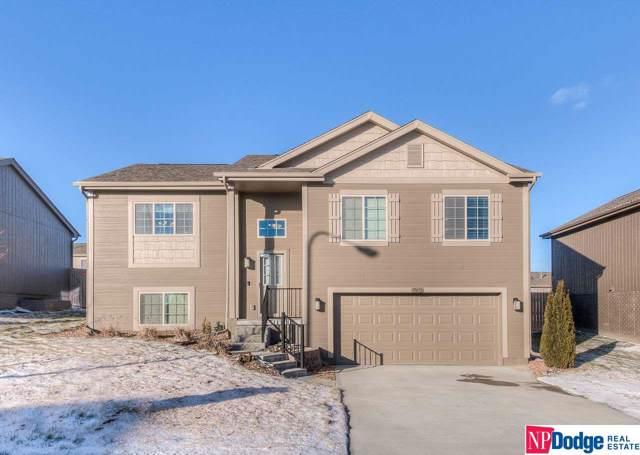 19072 Robin Drive, Omaha, NE 68136 (MLS #21928687) :: Omaha Real Estate Group