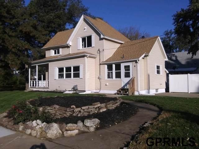 2521 Hanscom Boulevard, Omaha, NE 68105 (MLS #21928698) :: Capital City Realty Group