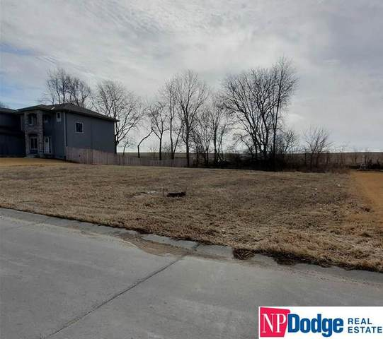 5013 Waterford Avenue, Papillion, NE 68133 (MLS #21928726) :: Capital City Realty Group