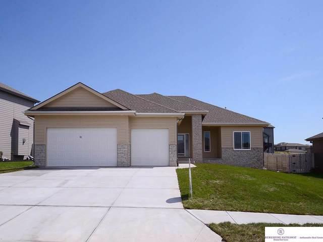 8109 S 194 Street, Gretna, NE 68028 (MLS #21928833) :: Capital City Realty Group