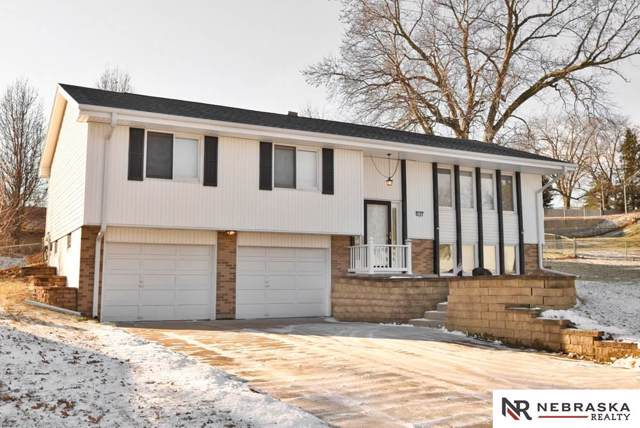 9197 Ogden Street, Omaha, NE 68134 (MLS #21928834) :: Capital City Realty Group