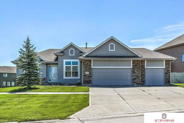 19514 Bellbrook Boulevard, Gretna, NE 68028 (MLS #21928908) :: Omaha's Elite Real Estate Group