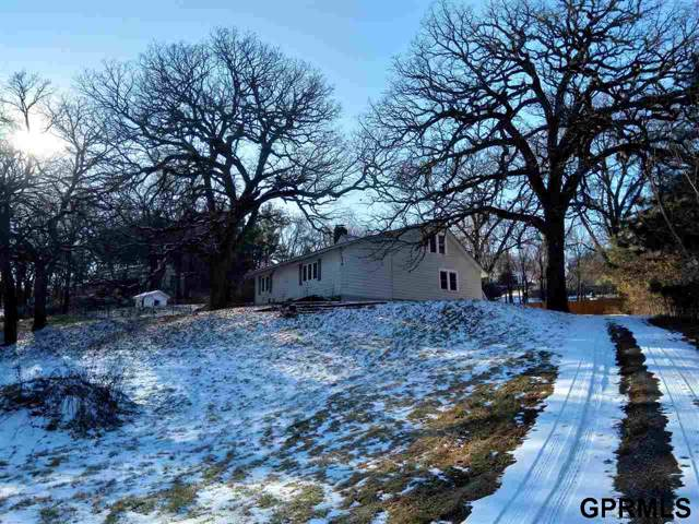 8202 N 44Th Street, Omaha, NE 68112 (MLS #21929168) :: kwELITE