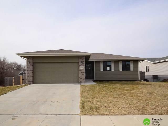 1857 SW Derek Avenue, Lincoln, NE 68528 (MLS #21929456) :: Omaha Real Estate Group