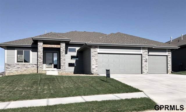 7381 N 169 Street, Bennington, NE 68007 (MLS #21929641) :: Stuart & Associates Real Estate Group