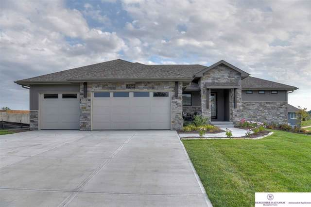 19269 Ruggles Circle, Elkhorn, NE 68022 (MLS #22000568) :: The Briley Team