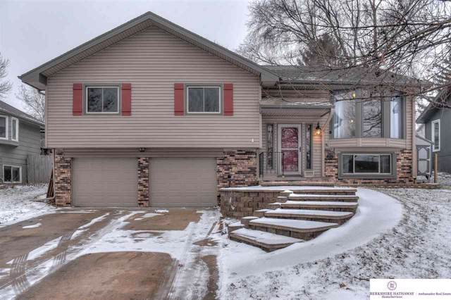 13563 W Circle, Omaha, NE 68137 (MLS #22001158) :: One80 Group/Berkshire Hathaway HomeServices Ambassador Real Estate