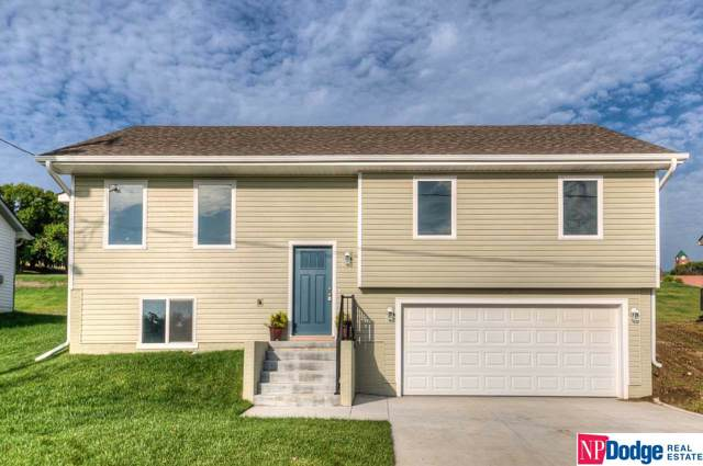 657 N 27 Street, Blair, NE 68008 (MLS #22001278) :: One80 Group/Berkshire Hathaway HomeServices Ambassador Real Estate