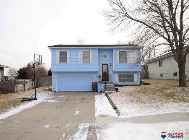 5027 W Sparrow Lane, Lincoln, NE 68528 (MLS #22001341) :: One80 Group/Berkshire Hathaway HomeServices Ambassador Real Estate