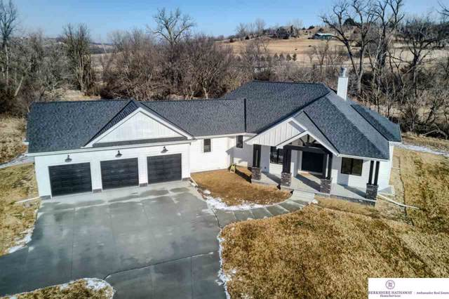 6372 Majestic Oaks Road, Fort Calhoun, NE 68023 (MLS #22001392) :: One80 Group/Berkshire Hathaway HomeServices Ambassador Real Estate